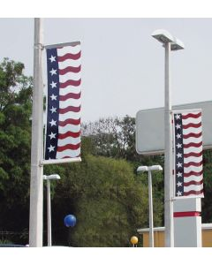 Uncle Sam Message Flags: 3X8 No Message With Sleeves on light poles over an auto dealership